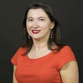 Dr. Mirela Oliva