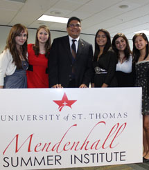 Ric Montelongo with students