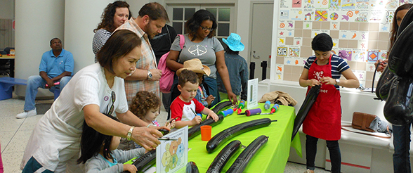 Nanogroup Teaches Science at Children�s Museum