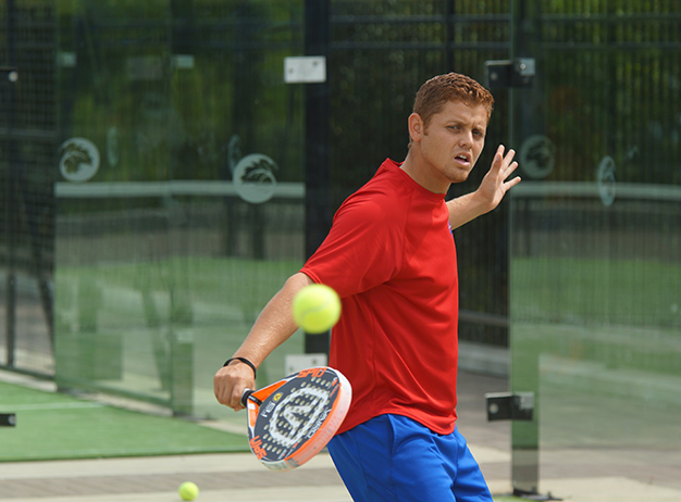 Alexander Frias playing Padel