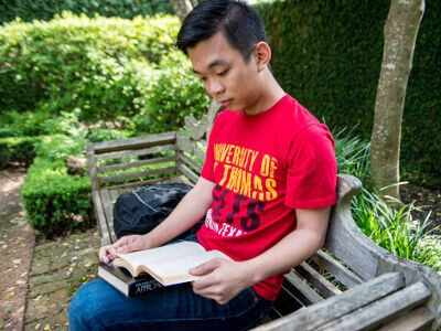University of St. Thomas - Houston History major reads on campus