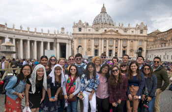 University of St. Thomas - houston MIB Master of International Business students in Rome study abroad program